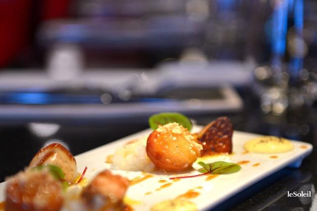 Les beignes accompagnés de foie gras poêlé et... (Le Soleil, Yan Doublet)