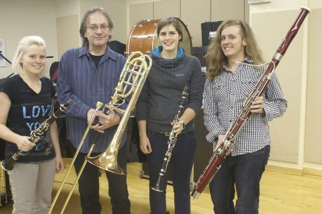 Marie-Pier Tardif, Steve Langevin, Geneviève Coulombe et Pierre-Luc... ((Photo Mélissa Viau))