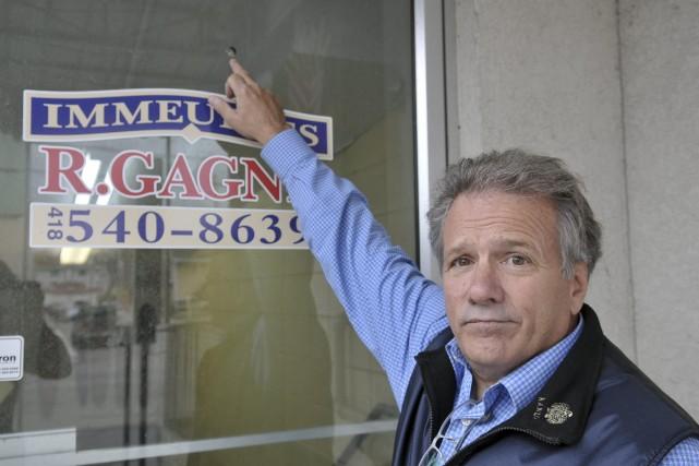 Le propriétaire du Joachim, Raymond Gagné, montre l'endroit... ((Photo Rocket Lavoie))