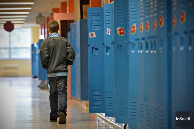 Les élèves risquent de faire les frais des fusions annoncées par le ministre de... (Photo Pascal Ratthé, archives Le Soleil)