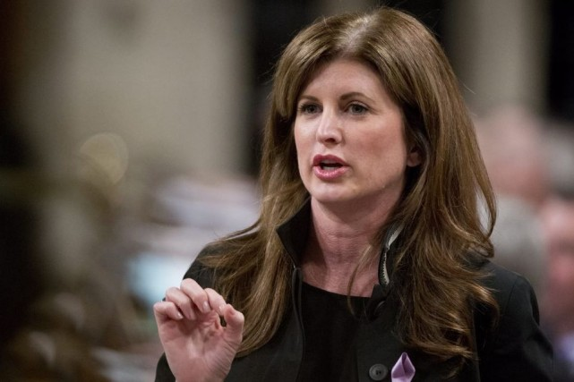 La ministre fédérale de la Santé, Rona Ambrose.... (Photo Adrian Wyld, archives La Presse Canadienne)