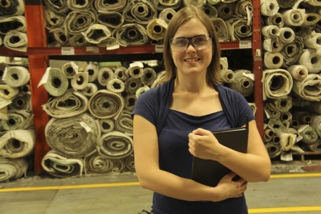 Nicole Desnoyers est ingénieure de procédés chez Beaulieu... (Photo Janick Marois, La Voix de l'Est)