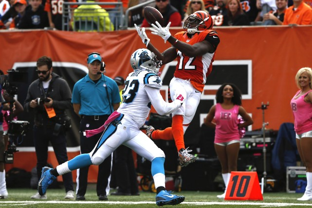 Cam Newton a rappelé à quel point il peut être menaçant sur le terrain. Andy... (Photo Aaron Doster, USA Today Sports)