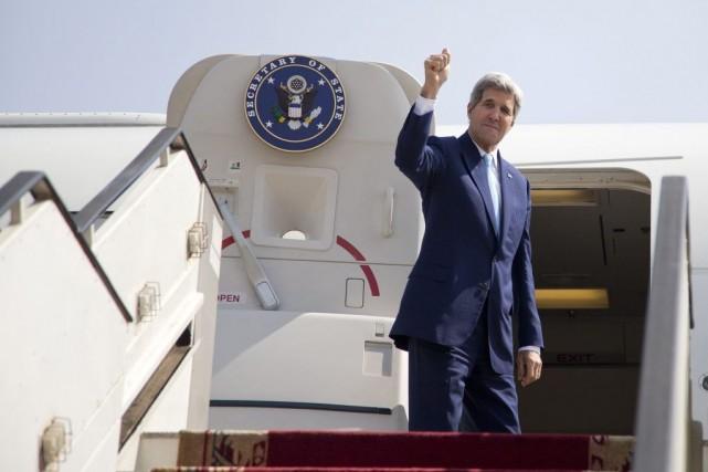 John Kerry s'est envolé dans la matinée du... (PHOTO CAROLYN KASTER, REUTERS)