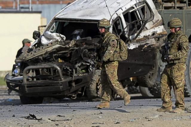 L'attaque a eu lieu vers 13h locales (4h30,... (PHOTO WAKIL KOHSAR, AFP)