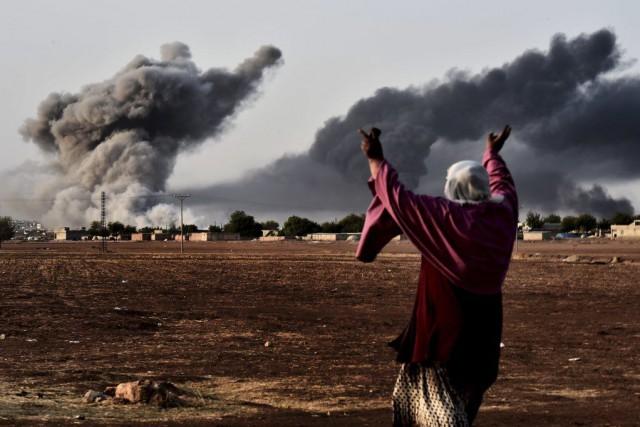 Dans la ville même de Kobané, les combattants... (PHOTO ARIS MESSINIS, ARCHIVES AFP)