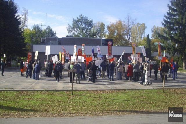 Une centaine de personnes étaient réunies à Bécancour...