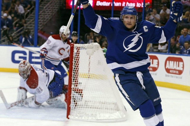 Steven Stamkos du Lightning de Tampa Bay a... (Associated Press)
