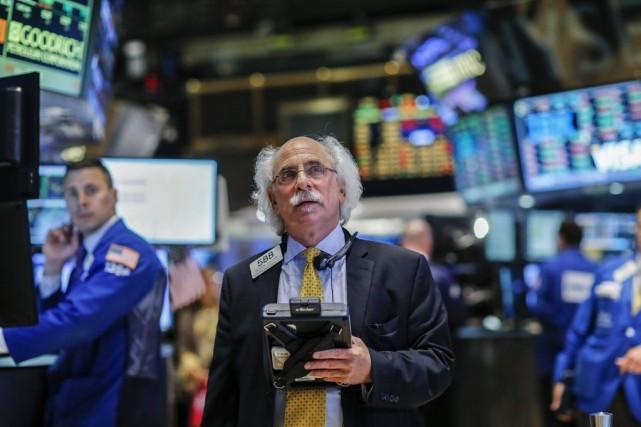 «Le marché tente de reprendre son souffle après... (PHOTO EDUARDO MUNOZ, REUTERS)