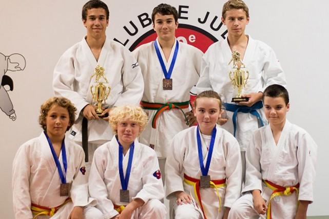 Lesathlètes du Club de judo St-Jean Bosco de Gatineau ont récemment ramené...