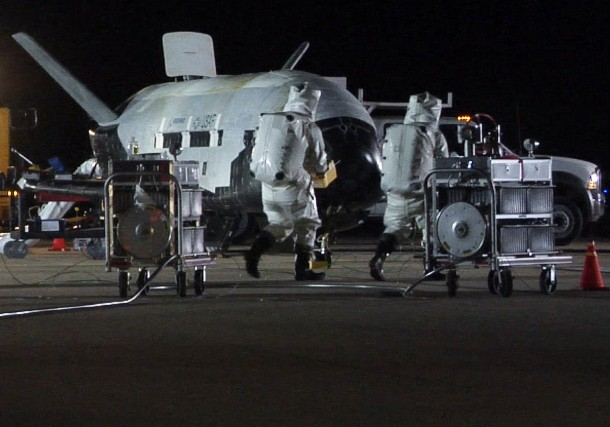 L'avion sans pilote «X-37B orbital test véhicule» (véhicule... (Photo US AIR FORCE, Reuters)