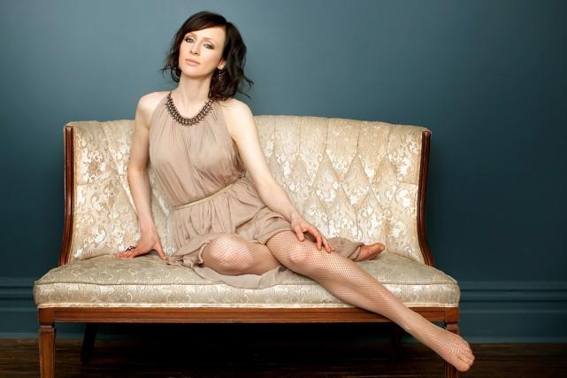 À 37 ans, la chanteuse ontarienne Sarah Slean...