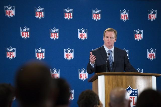 Le commissaire de la NFL, Roger Goodell... (Photo John Minchillo, AP)