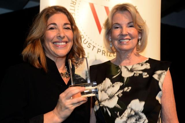 Naomi Klein a reçu le prix des mains... (Photo: PC)