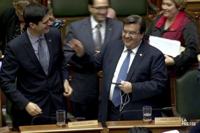 Le maire de Montréal Denis Coderre (à droite)... (PHOTO MATHIEU WADDELL, ARCHIVES LA PRESSE)