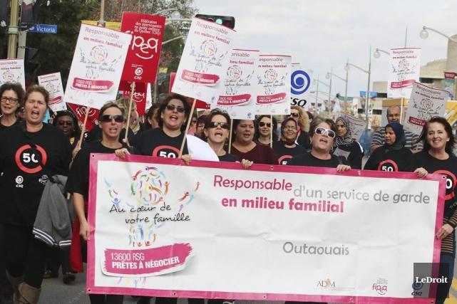 Les parents sont « pris en otage » par les grèves tournantes qui touchent les... (PHOTO PATRICK WOODBURY, LE DROIT)