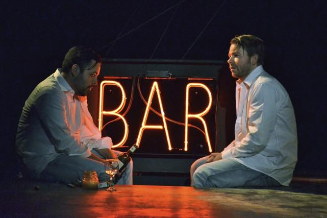 Jimmy Blais et Guillaume Tremblay interprètent la poésie... (Photo: Catherine Pérusse-Daigneault, fournie par La Petite Licorne)