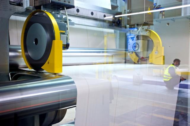 Une usine de production de papier... (Photo Gianluca Colla, Archives Bloomberg)
