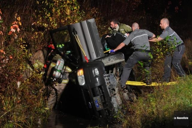 Plus de peur que de mal pour une dame qui a perdu la maîtrise de son véhicule... (Photo: François Gervais, Le Nouvelliste)