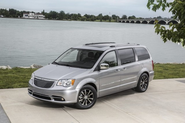 La Chrysler Town & Country 2015... (Photo fournie par Chrysler)