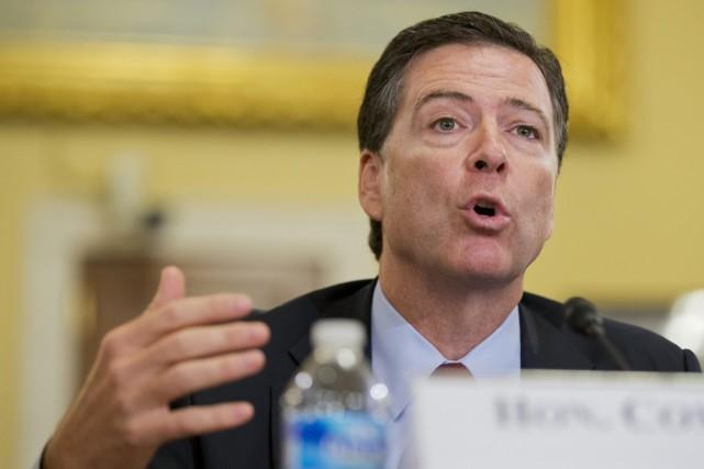 Le directeur du FBI James Comey.... (PHOTO MANUEL BALCE CENETA, ARCHIVES AP)