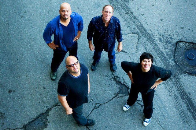 Les Pixies: Joey Santiago, David Lovering, Kim Deal... (PHOTO ARCHIVES LA PRESSE CANADIENNE)