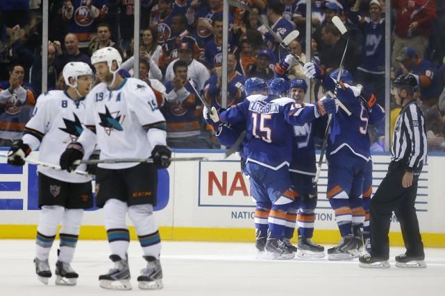 John Tavares a réglé le débat en fusillade et les Islanders de New York sont... (Photo Kathy Willens, AP)