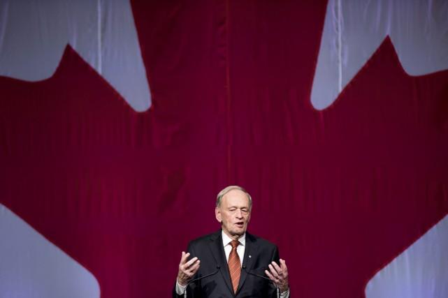 Jean Chrétien estime que le Canada devrait offrir... (PHOTO NATHAN DENETTE, ARCHIVES LA PRESSE CANADIENNE)