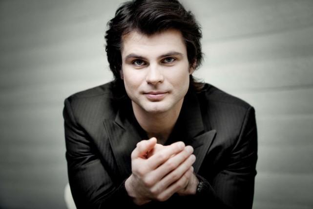 Serhiy Salov interprétera la Rhapsodie sur un thème...
