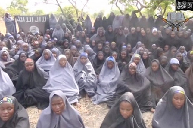 Boko Haram détient 219 écolières, kidnappées dans le... (IMAGE ARCHIVES BOKO HARAM/REUTERS)
