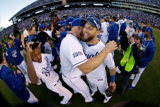 Les Royals de Kansas City sont toujours invaincus... (Photo Charlie Riedel, AP)