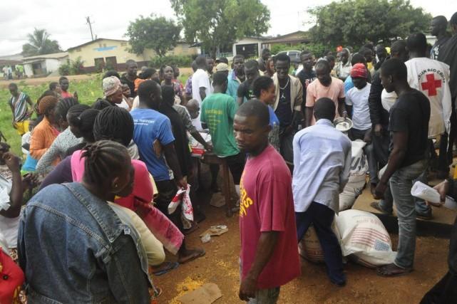 De l'aide alimentaire a déjà été distribuée au... (Photo Abbas Dulleh, Archives AP)