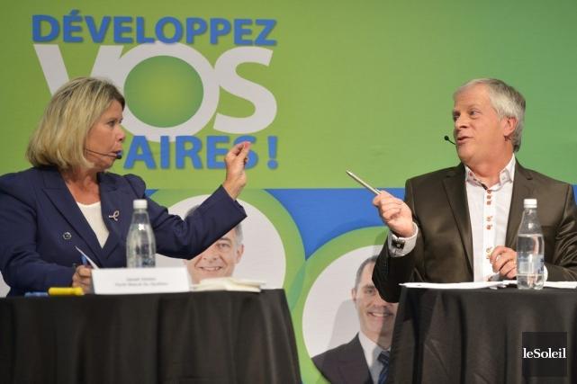 Janet Jones, candidate libérale, etFrançois Paradis, candidat caquiste,... (PHOTO YAN DOUBLET, LE SOLEIL)