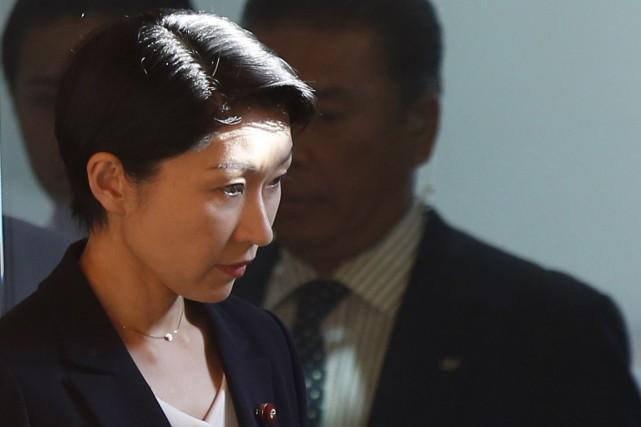 La ministre japonaise de l'Industrie, Yuko Obuchi.... (Photo ISSEI KATO, Reuters)