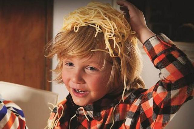 Jean-Gilles est un petit garçon qui travaillait déjà... (Photo tirée de Facebook)