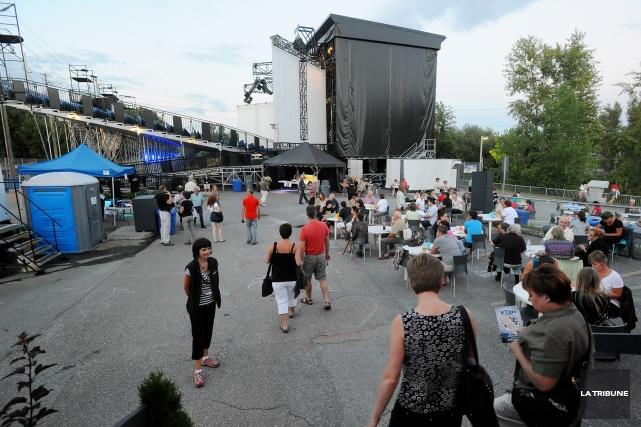 Des discussions seraient en cours à la Ville de Sherbrooke à propos du... (Archives La Tribune, Frédéric Côté)