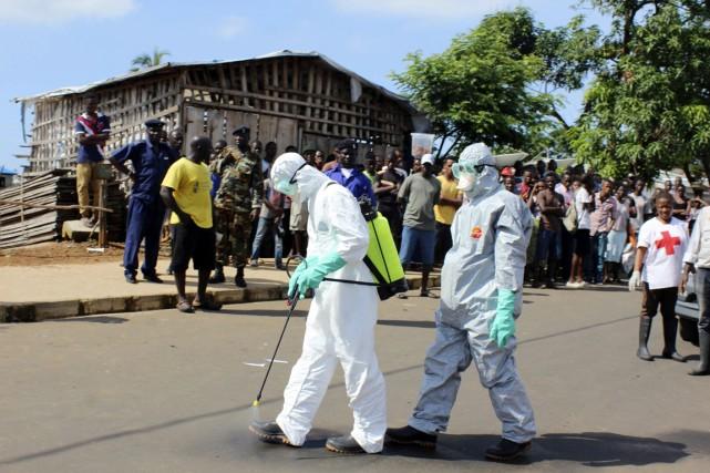 La pire épidémie d'Ebola de l'histoire a déjà... (PHOTO JOSEPHUS OLU-MAMMAH, ARCHIVES REUTERS)