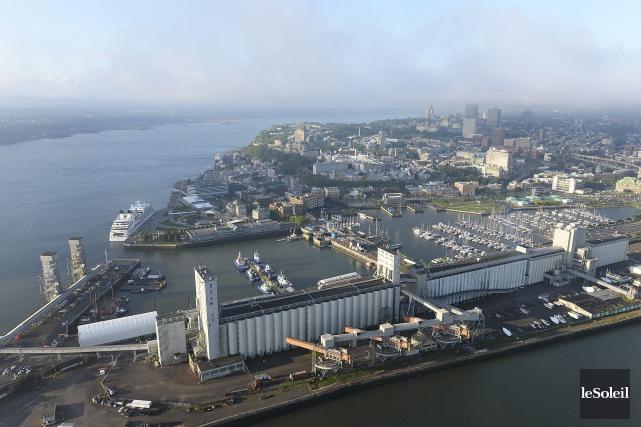 Le port de Québec... (Photothèque Le Soleil, Patrice Laroche)