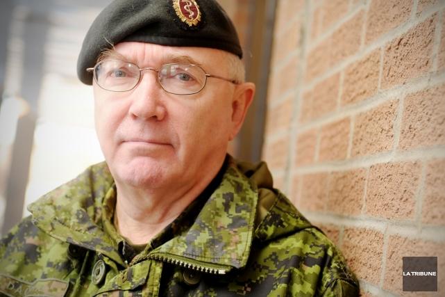 Marc Dauphin a été dans les forces canadiennes... (Archives La Tribune, Frédéric Côté)