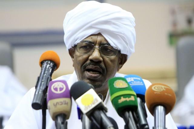 Omar el-Béchir, arrivé au pouvoir à la faveur... (PHOTO ASHRAF SHAZLY, AFP)