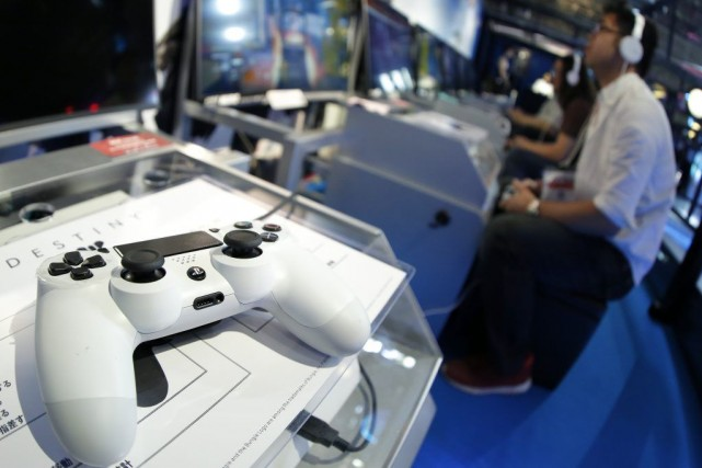 Les consoles de la génération précédente, qui comprend... (Photo Kiyoshi Ota, Archives Bloomberg)