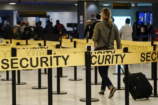 Le ministre américain de la Sécurité intérieure Jeh Johnson a annoncé mardi le... (Photo EDUARDO MUNOZ, Reuters)
