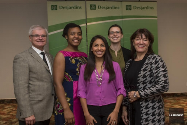 Anne-MarieMerrien(deuxième à partir de la droite) a reçu... (Imacom, Jocelyn Riendeau)