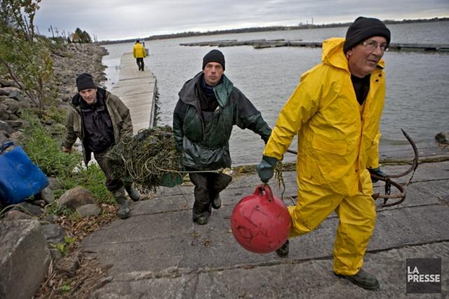 Des agents de la faune ont procédé mercredi... (Photo: La Presse)