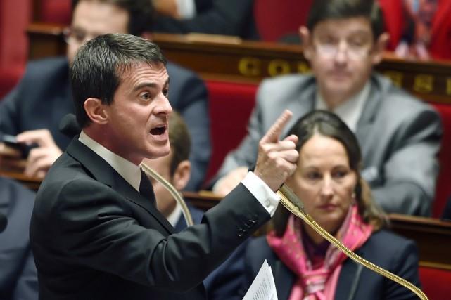Manuel Valls s'est aussi dit favorable à un... (PHOTO ÉRIC FEFERBERG, AFP)