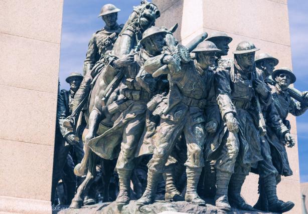 «La Réponse.» C'est le nom officieux du Monument commémoratif de guerre du... (Photo Creative Common)
