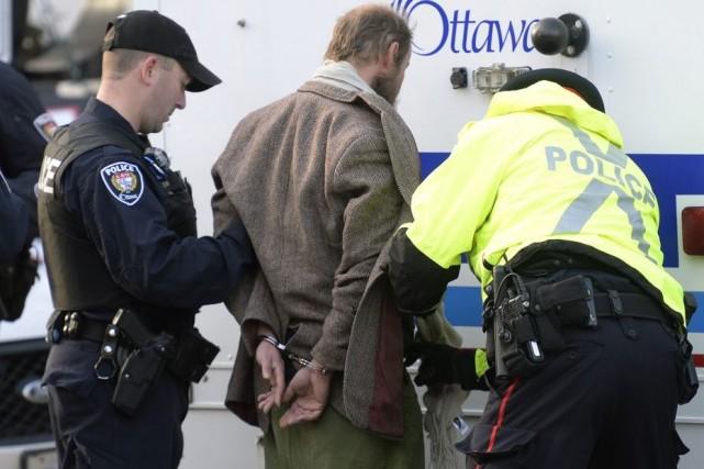 Au moment de l'arrivée du premier ministre au... (La Presse Canadienne, Adrian Wyld)