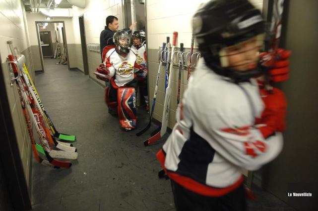 Le nombre de joueurs de hockey mineur s'est... (Photo: Archives Le Nouvelliste)