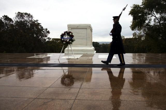Les autorités américaines ont donné aux forces de... (PHOTO MANUEL BALCE CENETA, ASSOCIATED PRESS)