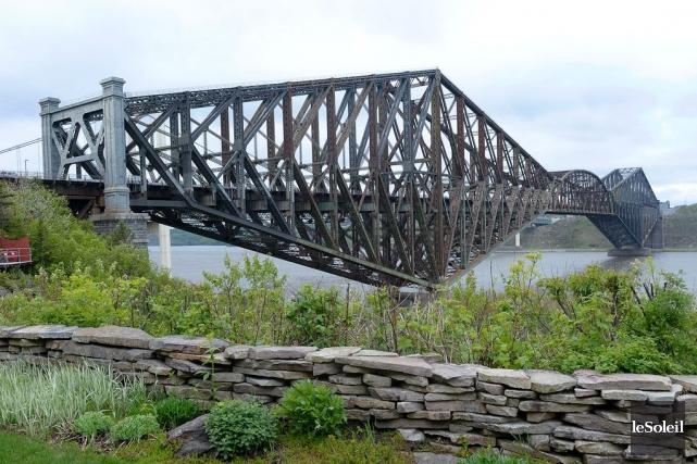Le pont de Québec... (Photothèque Le Soleil, Jean-Marie Villeneuve)